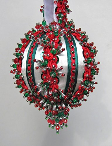 The Glimmer Tree Yuletide Greeting Beaded Ornament Kit 3