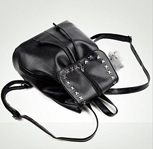 WTUS Mujer estudiantes de verano remaches nuevos paquetes de mochilas y la moda Viaje negro