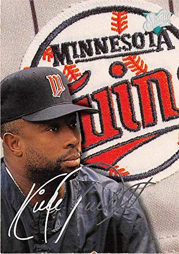 Kirby Puckett baseball card (Minnesota Twins) 1992 Leaf #214 Laser Signature Edition ()