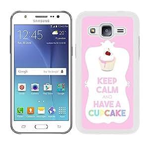 Funda de colour rosa Samsung Galaxy J5 keep calm and have a diseño de cupcakes, borde blanco