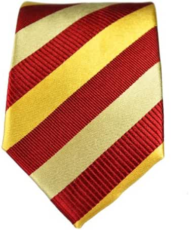 100% Silk Slim Tie by Paul Malone . 2.5' wide . Maroon and Gold