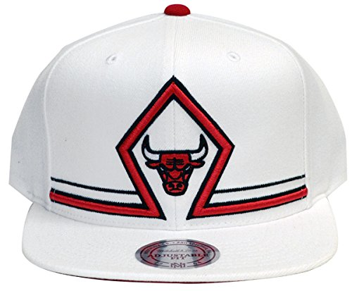 Chicago Bulls Mitchell & Ness Katrina 3 Diamond Snapback Hat