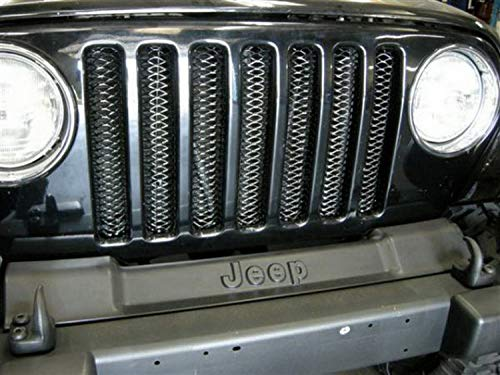 RAMPAGE PRODUCTS 86515 Gloss Black One-Piece 3D Grille with Clear Coat Polished Highlights for 1997-2006 Jeep Wrangler TJ
