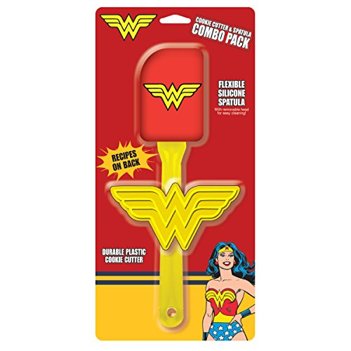 ICUP DC Comics Wonder Woman Silicone Spatula With Removable Head & Plastic Cookie Cutter Combo - Vintage Cutters Cookie