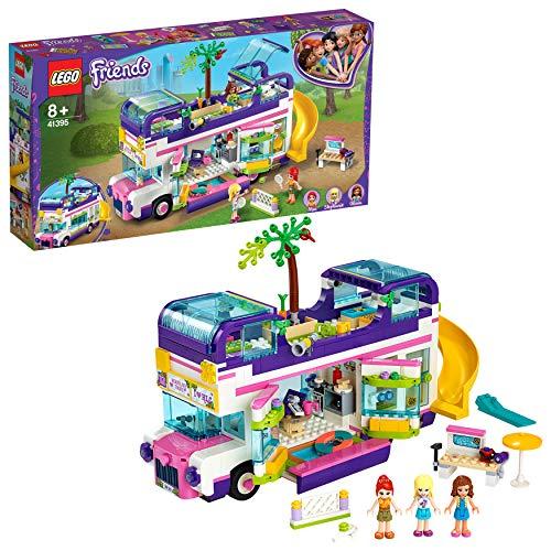 51GKgLpouPL. SS500 Deja que tu peque creativa se embarque en un viaje de aventuras con este set LEGO Friends. A bordo de este autobús de minipersonajes repleto de funciones descubrirán infinitas posibilidades de juego imaginativo gracias a sus múltiples y divertidas características y accesorios. El autobús de juguete incluye los minipersonajes de LEGO Friends Stephanie, Mia y Olivia. Las niñas creativas podrán dar rienda suelta a su imaginación y ayudar a las chicas de Heartlake City para que exploren las divertidas funciones y los accesorios de los minipersonajes. Las peques podrán recrear que se levantan junto a sus amiguitas en los dormitorios, remolcan vehículos siniestrados con un torno, chapotean en la piscina o divisan las estrellas desde la cubierta superior, y después se deslizan de nuevo por el tobogán para acceder a las camas de los minipersonajes.
