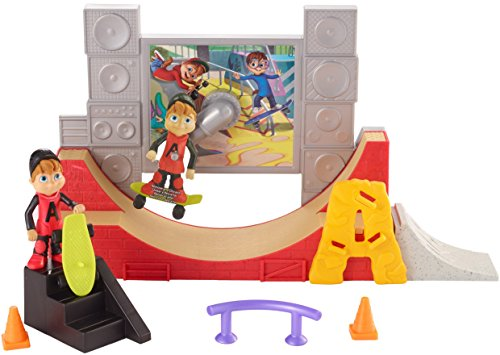 Fisher-Price Alvin & the Chipmunks, 360° Stunts Skate Park - Fisher Price Skateboards