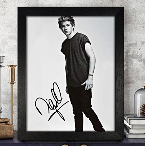 one direction autographed items - 5