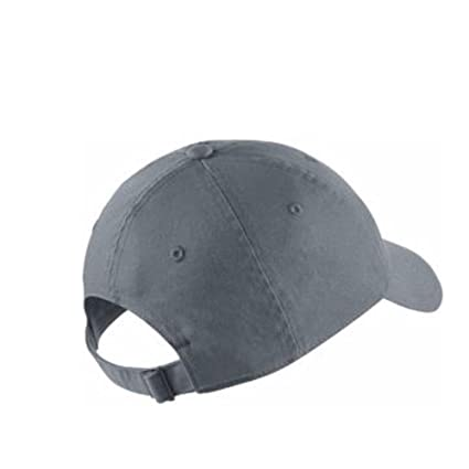 284d97af149 Nike Womens Futura Classic H86 Hat at Amazon Men s Clothing store