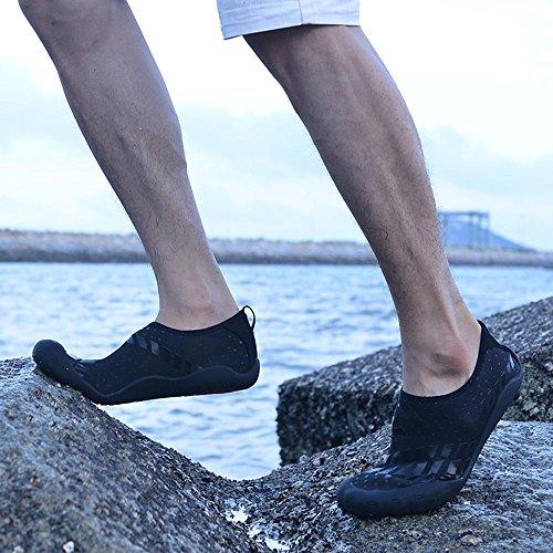 MoreDays Quick Dry Barfuß Handschuh Herren Wasserschuhe Zehenschutz Aqua Socken mit Drainage-Löchern für Beach Swim Schwarz
