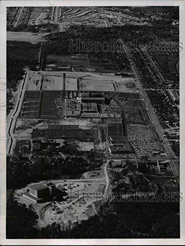 1960 Press Photo Parma Hospital, Southgate Shopping Center - cvb04310 - 9.25 x 7 in. - Historic - Shopping Southgate