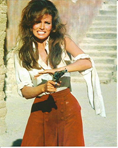 Raquel Welch 100 Rifles shooting pistol 8 x 10 inch Movie Photo - 004