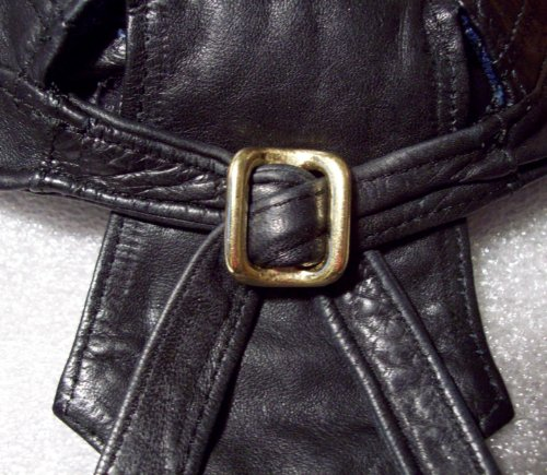 Noknot for motorcycle leather skull cap of solid brass buckle (Icon Leather Boot)