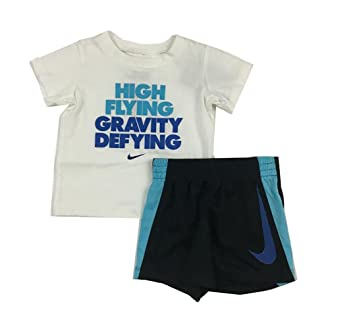 8f7dcdb33babd Nike Infant Boys High Flying gravité 2 pièces Tee Shirt et Short Ensemble  Noir/Blanc