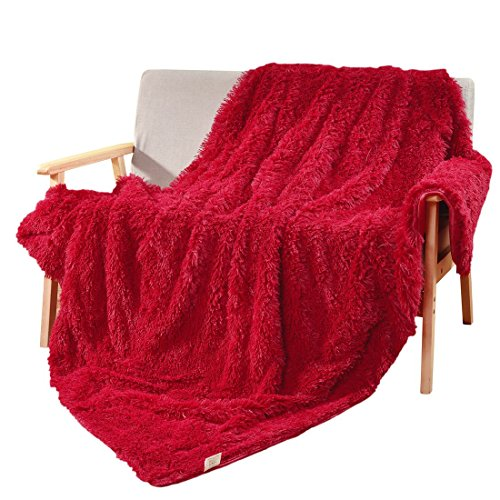 Decosy Super Soft Faux Fur Couch Blanket Rose Red 50