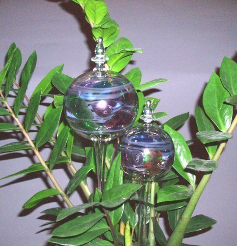 2 Multi-Coloured Watering Baubles (Set LUPI