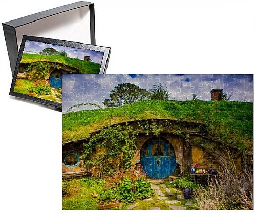 Photo Jigsaw Puzzle of Front door of a Hobbit House, Hobbiton, North Island, New Zealand, Pacific