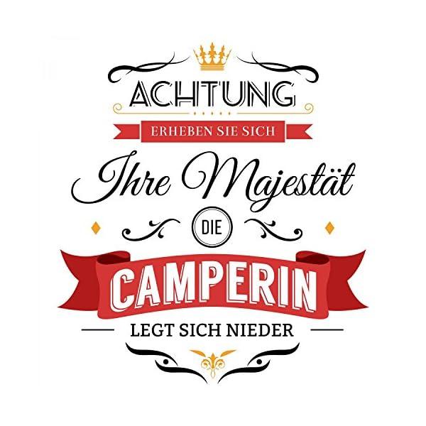 51GWjd4RKLL Fashionalarm Kissen Ihre Majestät die Camperin - 40x40 cm mit Füllung | Lustige Geschenk Idee Camper Camping Urlaub…