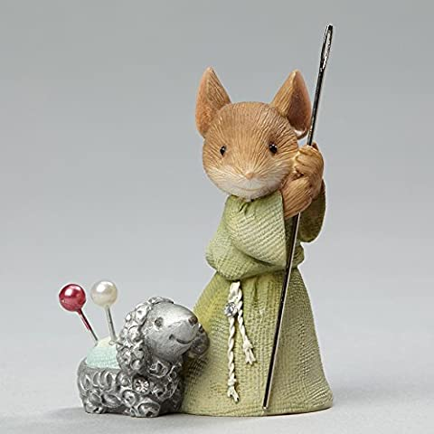 Enesco Heart of Christmas Shepherd Mouse with Lamb Figurine 1.97 In (Christmas Mice Figurines)