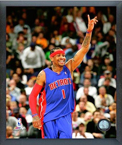 sports shoes c3bfa 93ce1 Amazon.com : Allen Iverson Detroit Pistons Action Photo ...