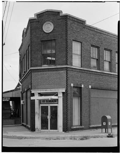 HistoricalFindings Photo: International Harvester Company Showroom,10 South Main Street,Dubuque,Iowa,IA,5