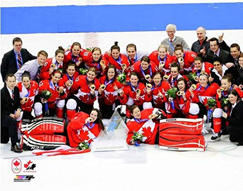 2014 Olympic Gold Medal - Team Canada Womens Olympic Hockey Team 2014 Winter Olympics Gold Medal Photo Print Size: (16 x 20)
