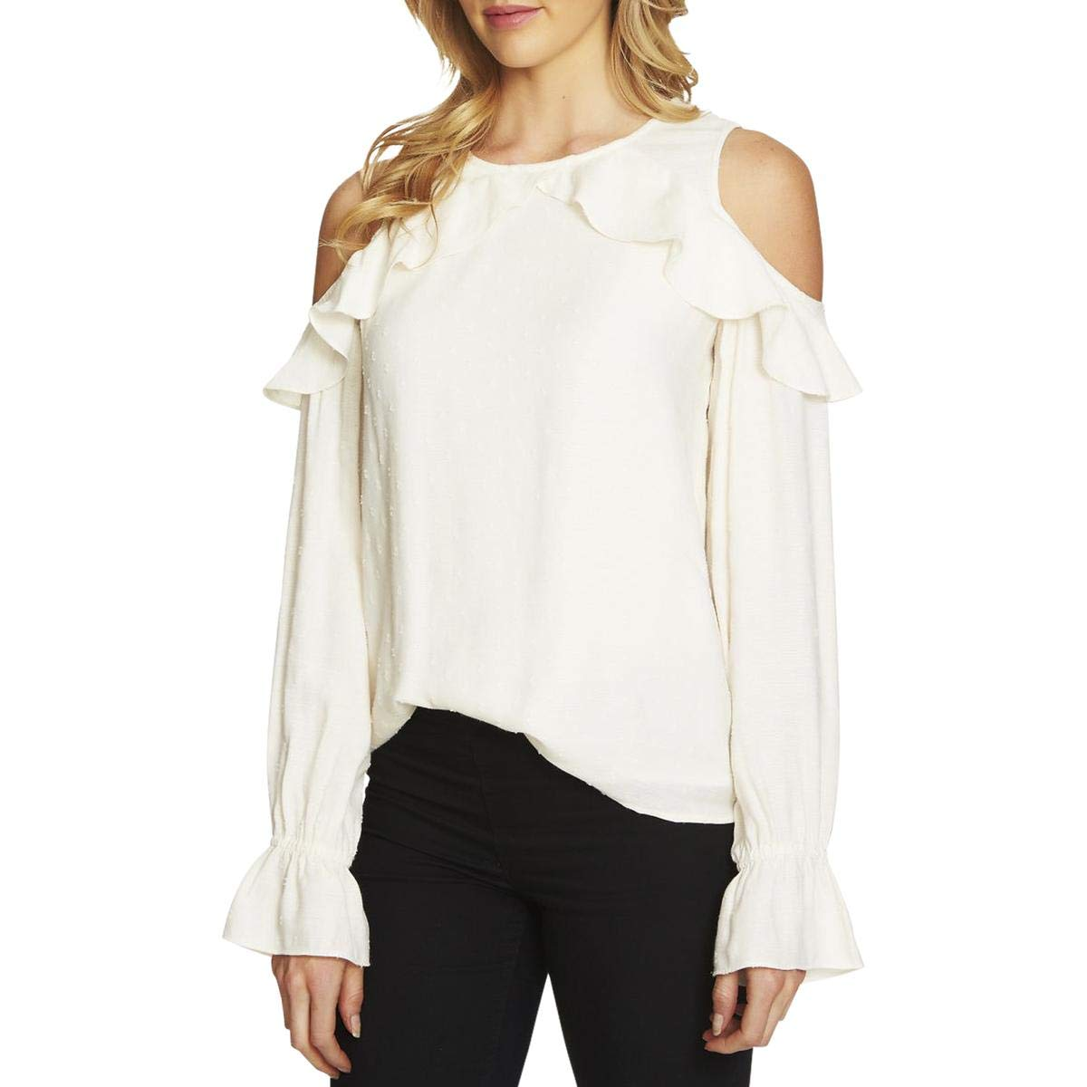 939ee80df9418 CeCe Women s Ruffle Cold Shoulder Top at Amazon Women s Clothing store