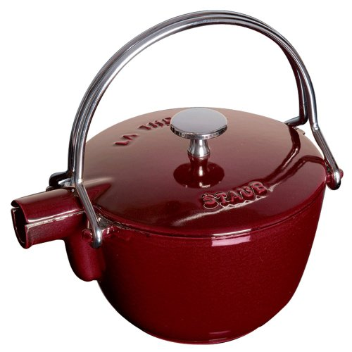 (Staub 1650087 Round Tea Kettle, 1 Quart, Grenadine)