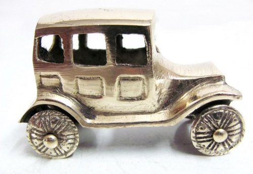 small-vintage-style-brass-car-vehicle-sculpture-india