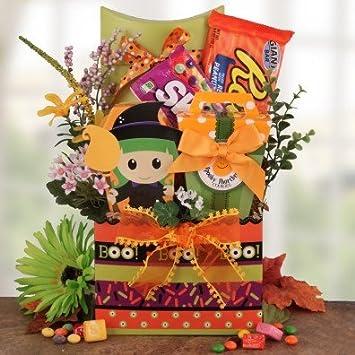 Amazoncom Peek A Boo Deluxe Halloween Candy Gift Basket