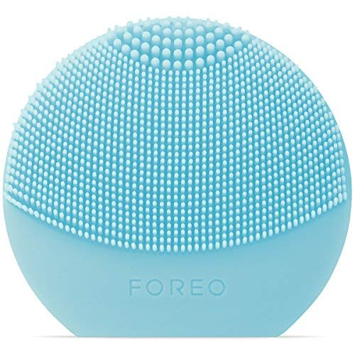 FOREO LUNA play plus: Portable Facial Cleansing Brush, Mint