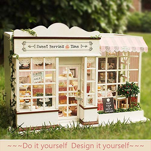 Cuteroom 1:32DIY Handicraft Miniature Voice Activated LightΜsic The Sweet Berries Time Dollhouse - Dolls & Stuffed Toys Doll House & Miniature - 1 x DIY Handcraft Miniature ()