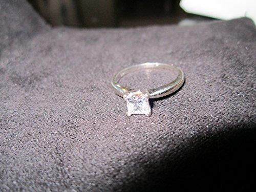 Lady's 14 Karat White Gold Diamond Solitaire Ring