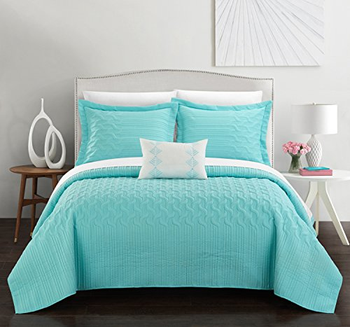 Chic Home Shalya 4 Piece Cover Set Interlaced Vine Pattern Quilted Bed in a Bag-Decorative Pillow Shams Included, King, Aqua (Quilts Aqua)
