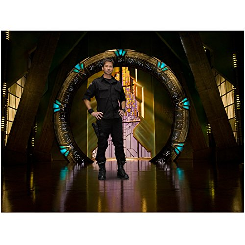 Joe Flanigan 8x10 Inch Photo Stargate Atlantis 6 Bullets The Other Sister Standing in Front of Stargate Hands on Hips Shiny Floor kn
