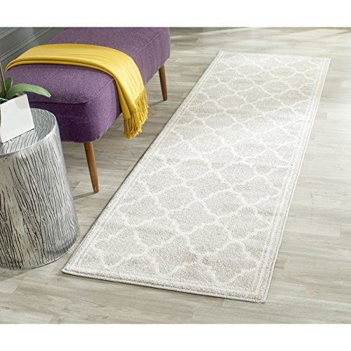 Safavieh Amherst Collection AMT422B Light Grey and Beige Indoor/ Outdoor Runner (2'3