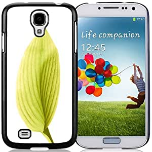 Unique and Fashionable Cell Phone Case Design with iOS 8 Yellow Leaf Galaxy S4 Wallpaper