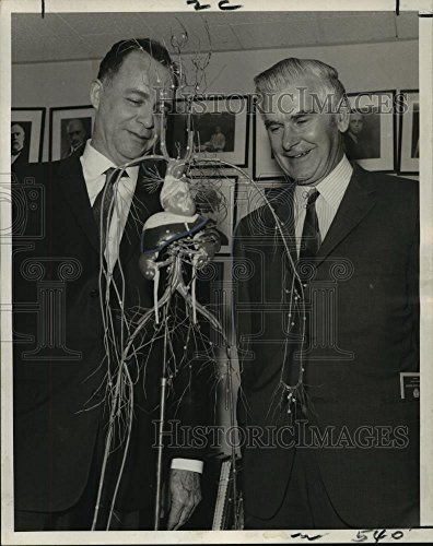 Vintage Photos 1970 Press Photo Doctor Robert F. Schilling Doctor George E. Burch at Tulane - 10 x 8 in. - Historic Images