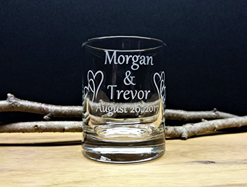 Personalized Wedding Favors Engraved Glass Interlocking Hearts Custom Candle Holders Guest Memento Keepsake]()