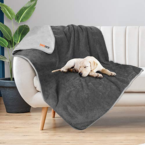 petacc Waterproof Dog Blankets with Reversible Design, Liquid Proof Pet Blanket for Bed Couch Sofa, Soft Warm Flannel Sherpa Sleep Mat for Dog Cat, Waterproof Dog Bed Cover-Machine Washable, 80″x55