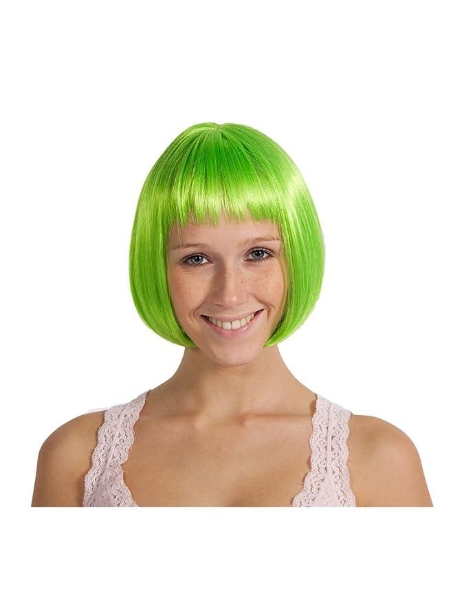 Chica con peluca verde neón corta con flequillo