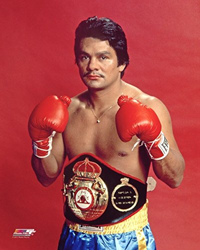 Roberto Duran Boxing Posed Photo (Size: 11