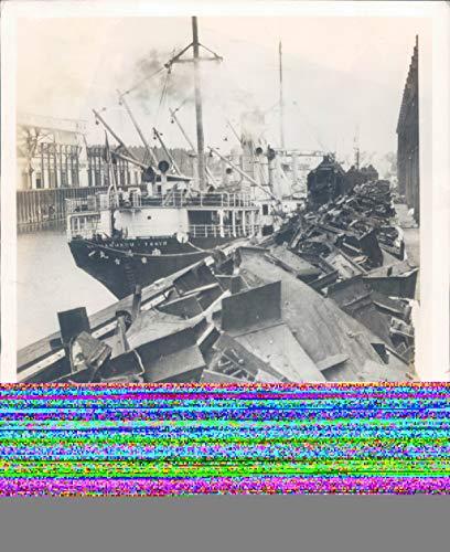 Vintage Photos 1940 Press Photo Ship WW2 Era Nanman Maru Japanese Freighter Portland OR 8x10 ()