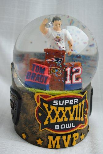 Tom Brady New England Patriots Super Bowl Champions MVP snow Globe