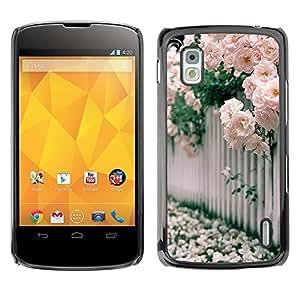 Caucho caso de Shell duro de la cubierta de accesorios de protección BY RAYDREAMMM - LG Google Nexus 4 E960 - Roses White Pink Blossoming