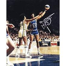 ARTIS GILMORE KENTUCKY COLONELS ABA 'A-TRAIN' ACTION SIGNED 8x10 - Autographed NBA Photos