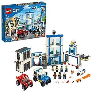 LEGO City Stazione di Polizia, Include 2 Furgoni, Drone, Moto Giocattolo e Mattoncini Sonori e Luminosi, Idea Regalo per… LEGO