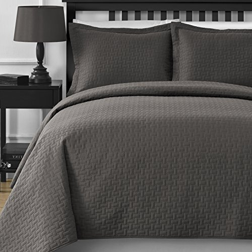Extra Lightweight And Oversized Comfy Bedding Frame Embossing 3 Piece Bedspread  Coverlet Set (King/California King, Grey)