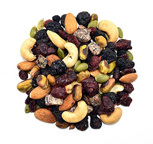 Anna and Sarah Natural Very Berry Trail Mix in Resealable Bag, 2 Lbs (Healthiest Dried Fruit And Nuts)