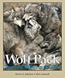 Wolf Pack: Tracking Wolves in the Wild (Discovery!) (Discovery! (Paperback))