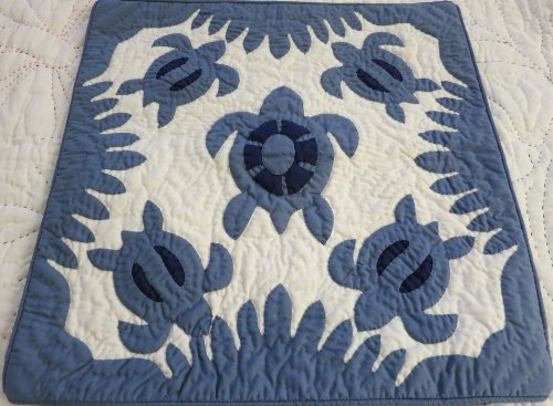 2 Hawaiian quilt throw pillow cover 18x18 100% hand quilted/100% hand appliqued (Hand Quilted Quilt Pillowcase)